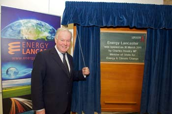 Minister of State for Energy and Climate Change Charles Hendry unveils a plaque to mark the official launch of Energy Lancaster